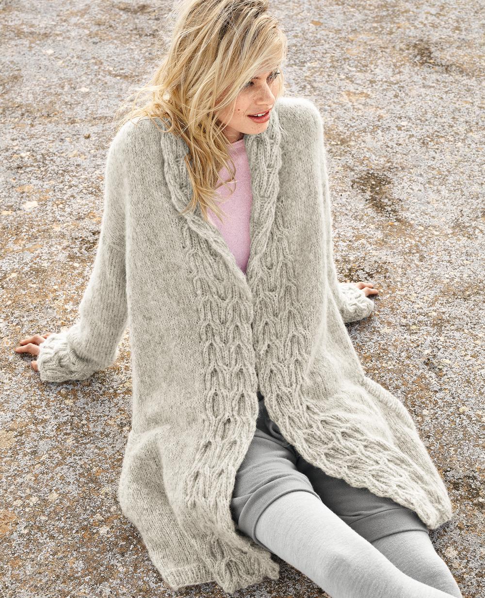 Пальто с рельефными планками