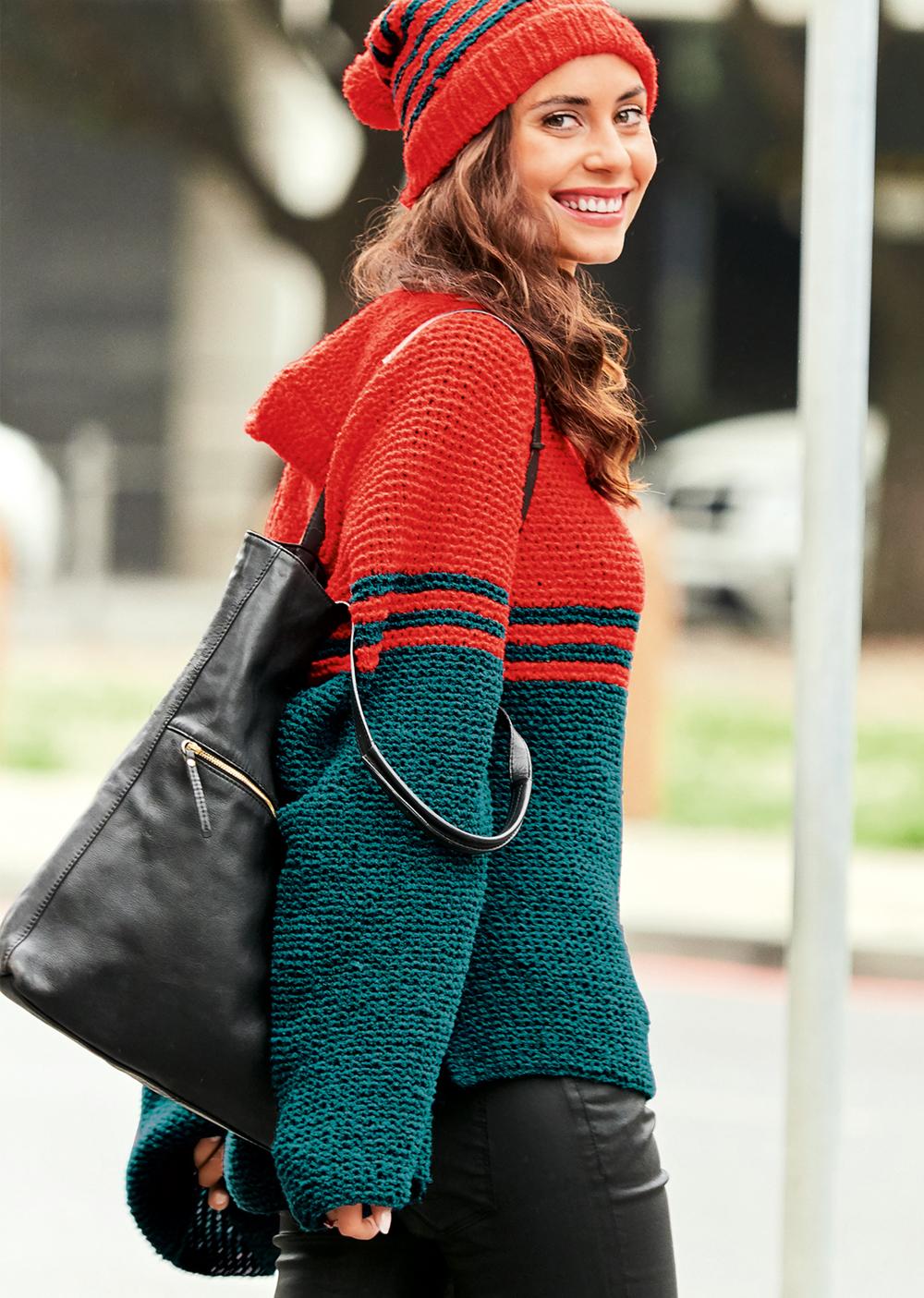 Пуловер с капюшоном покроя реглан