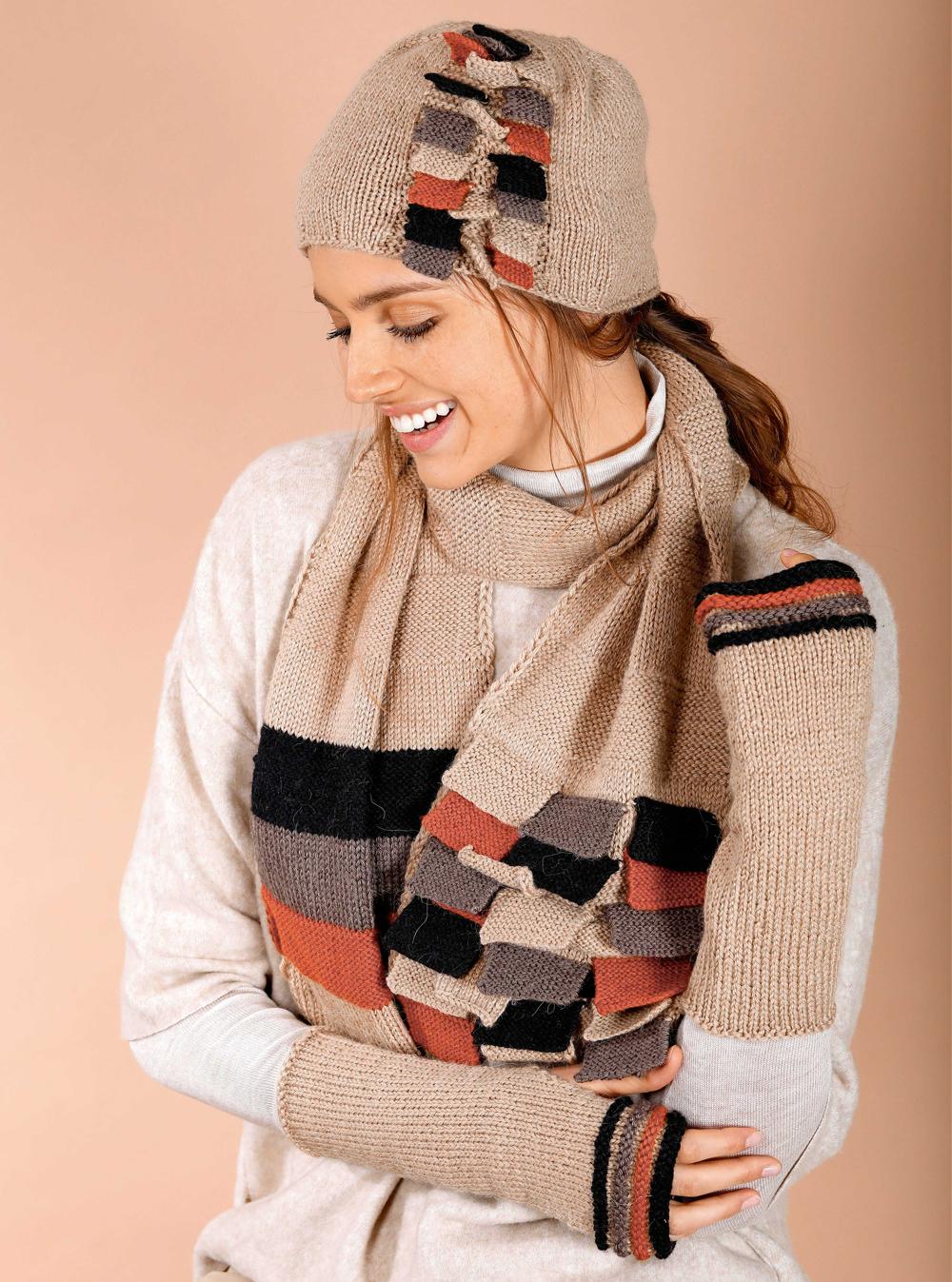 шапка шарф и митенки с цветным узором схема вязания спицами