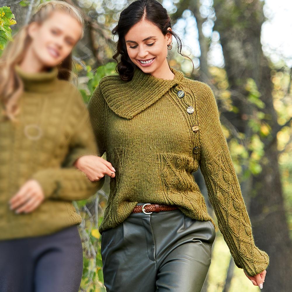 Оливковый свитер реглан трапециевидной формы