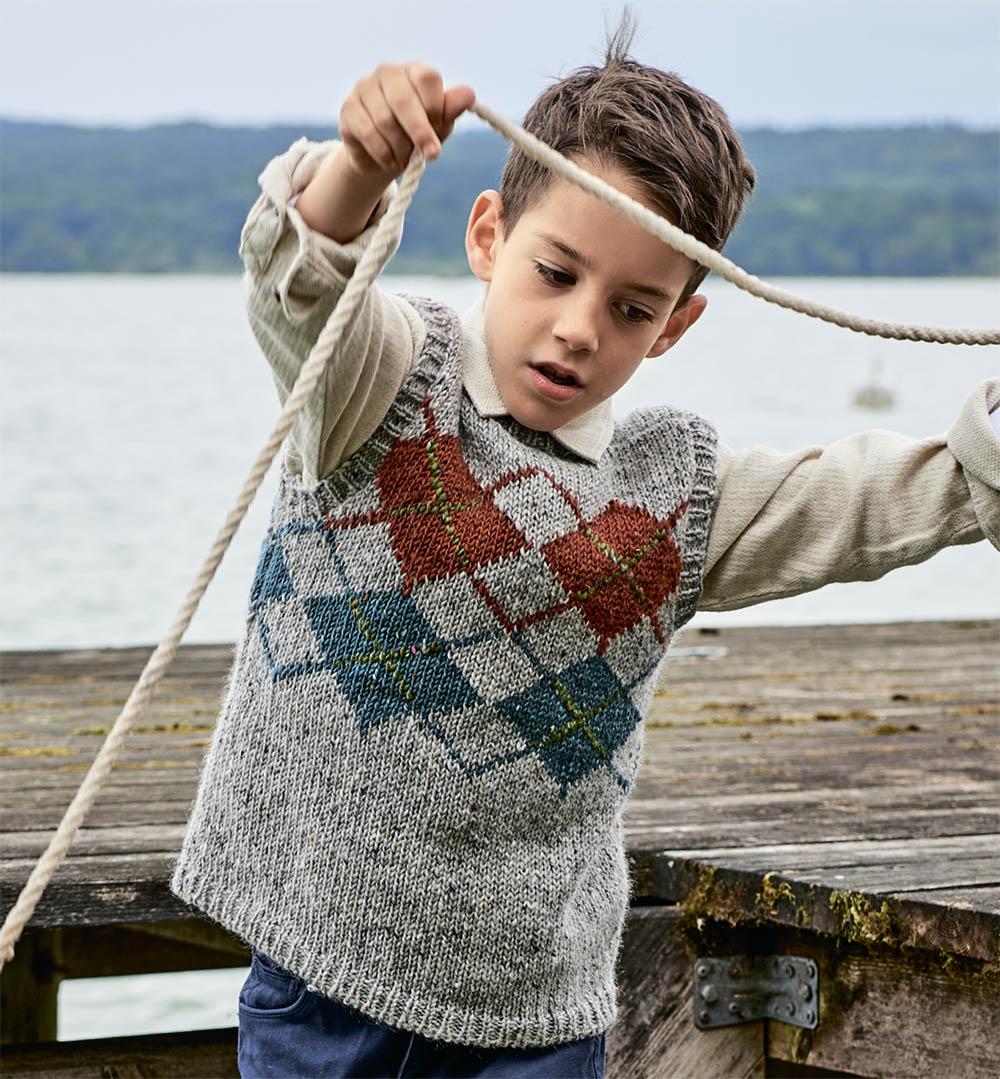 Безрукавка с ромбами для мальчика