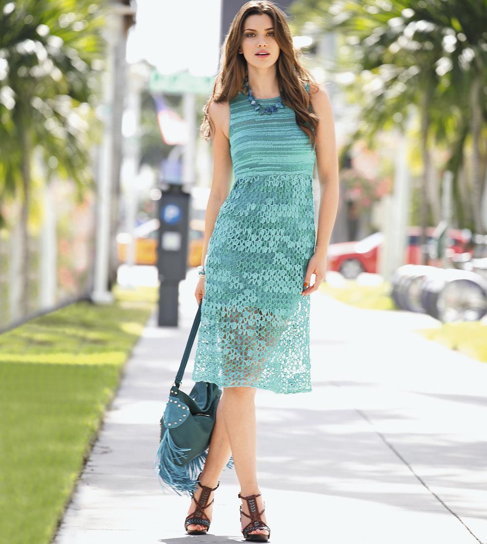 Голубое платье с бантом крючком