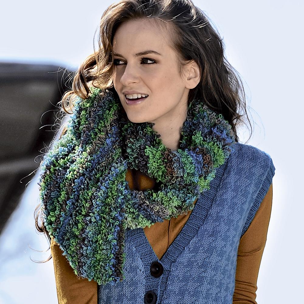 Длинный шарф из фасонной пряжи