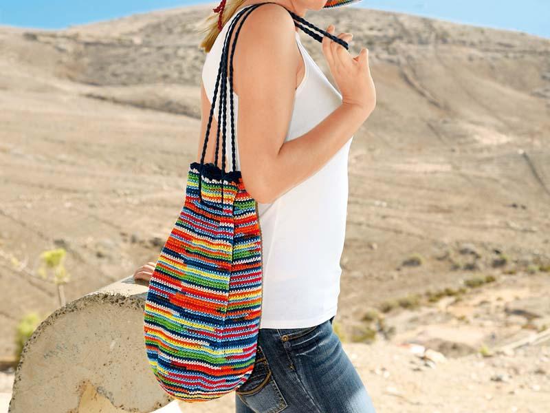 5166e61afc55 Пестрая сумка-мешок - схема вязания крючком. Вяжем Сумки на Verena.ru