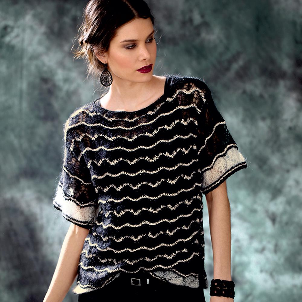 Черно-белый джемпер с короткими рукавами и зигзагообразным узором