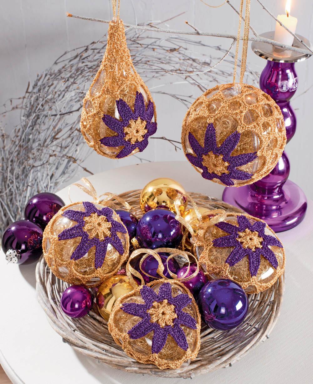 новогодние украшения с лиловыми цветами схема вязания крючком