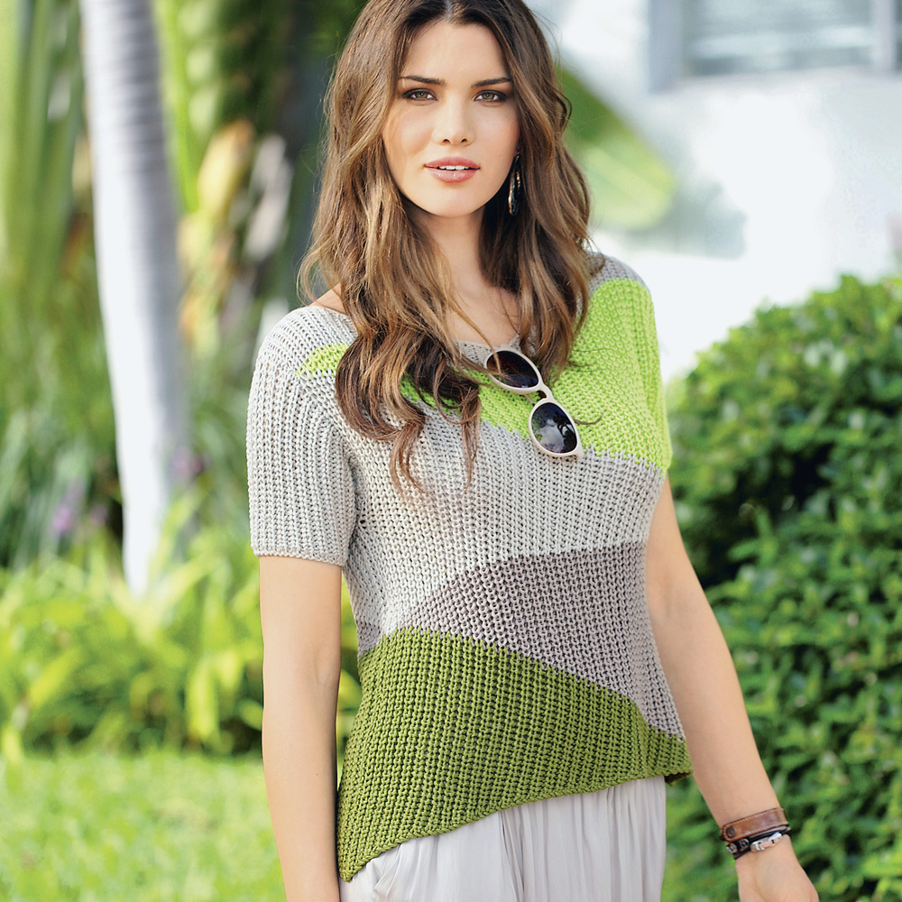 Трехцветный джемпер с короткими рукавами