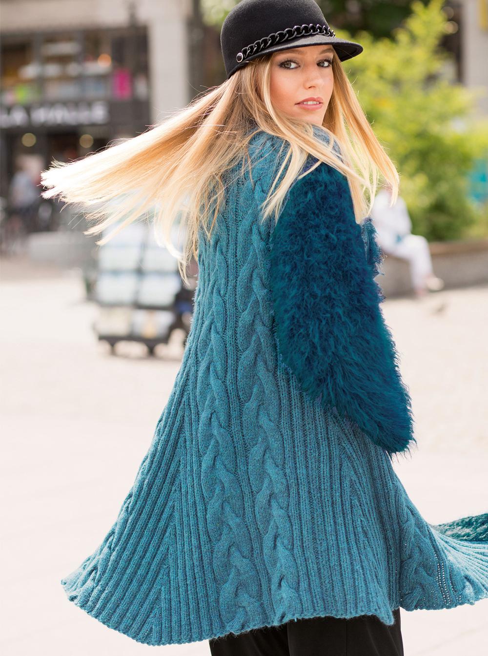 Пальто с рукавами из фасонной пряжи