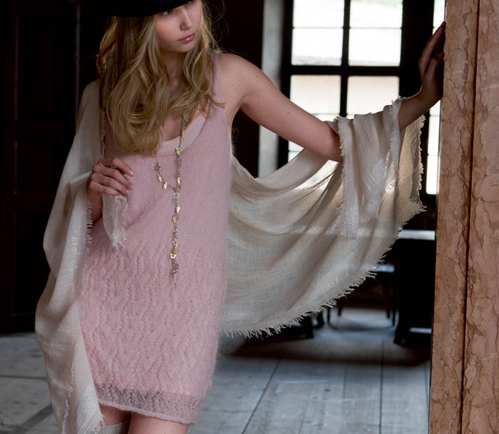 Ажурные платье спицами из мохера
