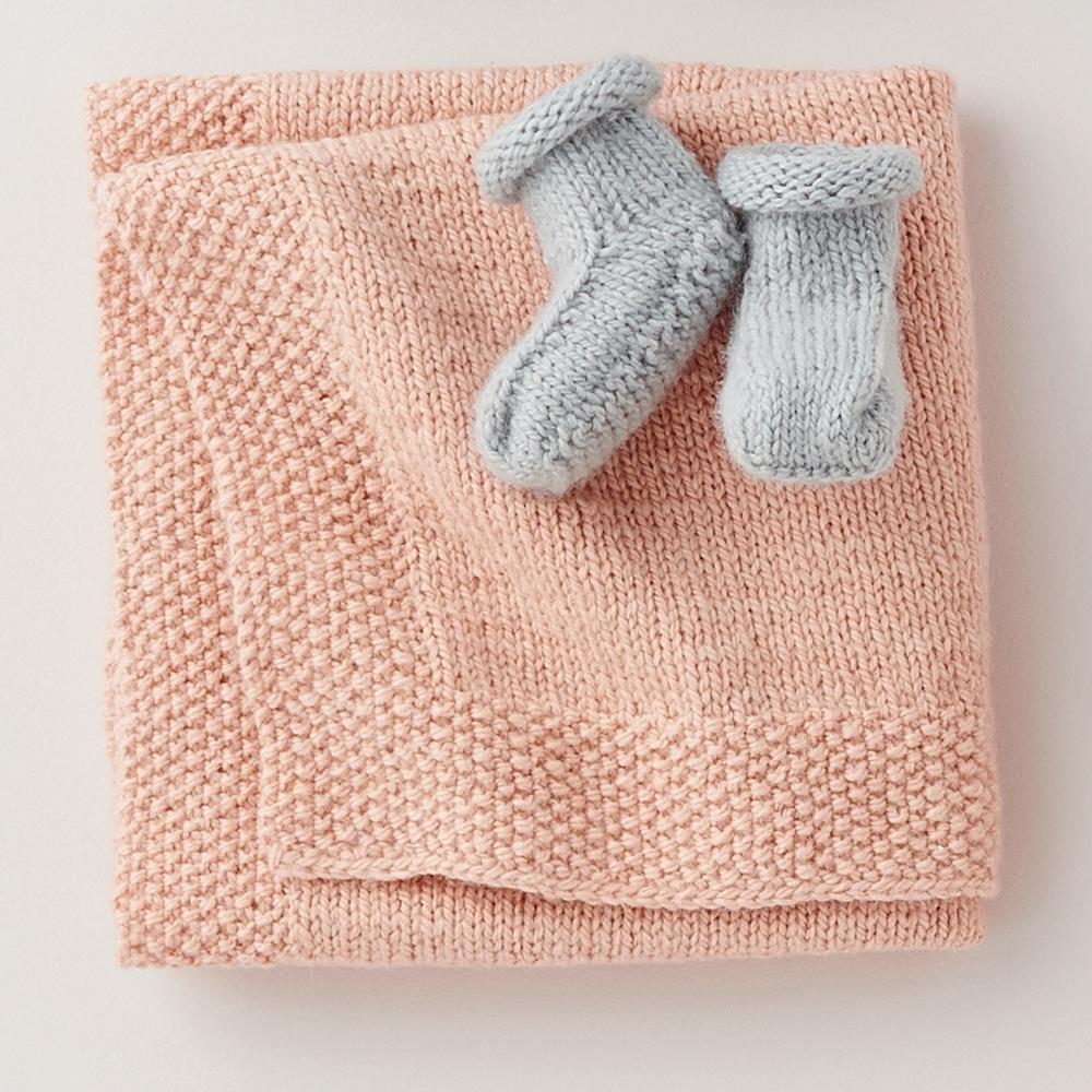 одеяло и пинетки для самых маленьких схема вязания спицами вяжем