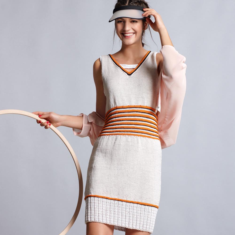 Платье с контрастной отделкой