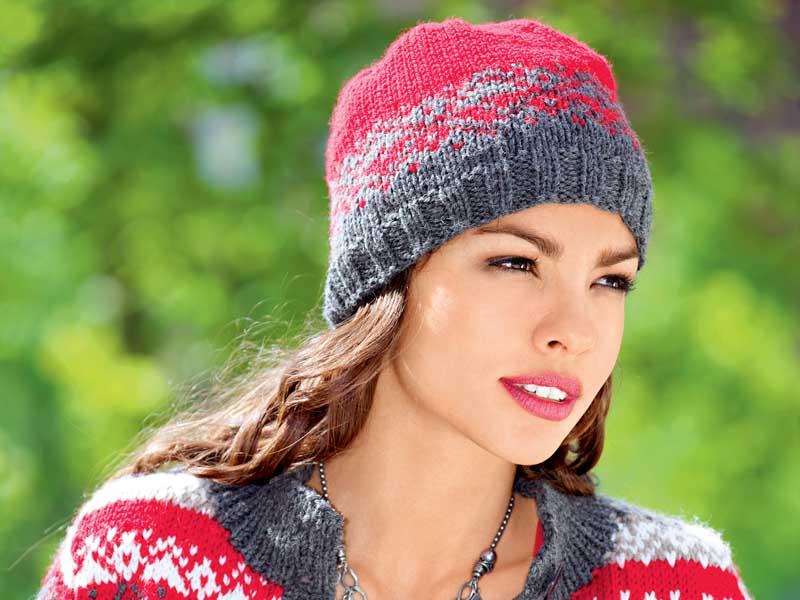 женская шапка с жаккардовым узором схема вязания спицами вяжем