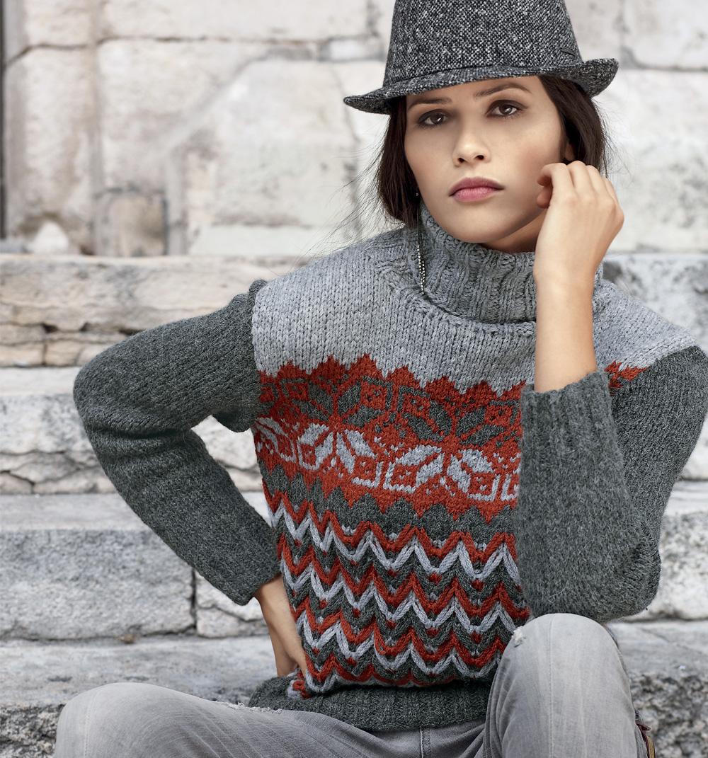 свитер с орнаментом и зигзагообразным узором схема вязания спицами