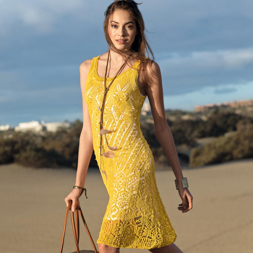 ВЯЖЕМ СПИЦАМИ: Платье горчично-желтого цвета