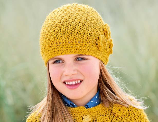 Пуловер связаный от горловины