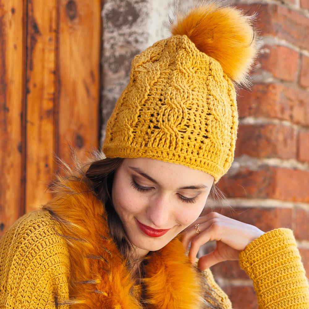 Вязание шапочки женской с косами 100